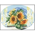 15007 Слънчогледи  в стъклена ваза